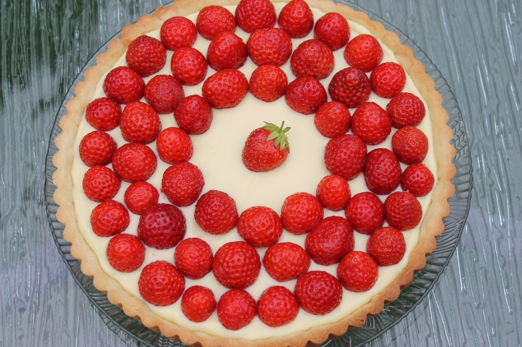 Fresh Strawberry Tart {Gastropost Mission #60} — What's Cooking on ...