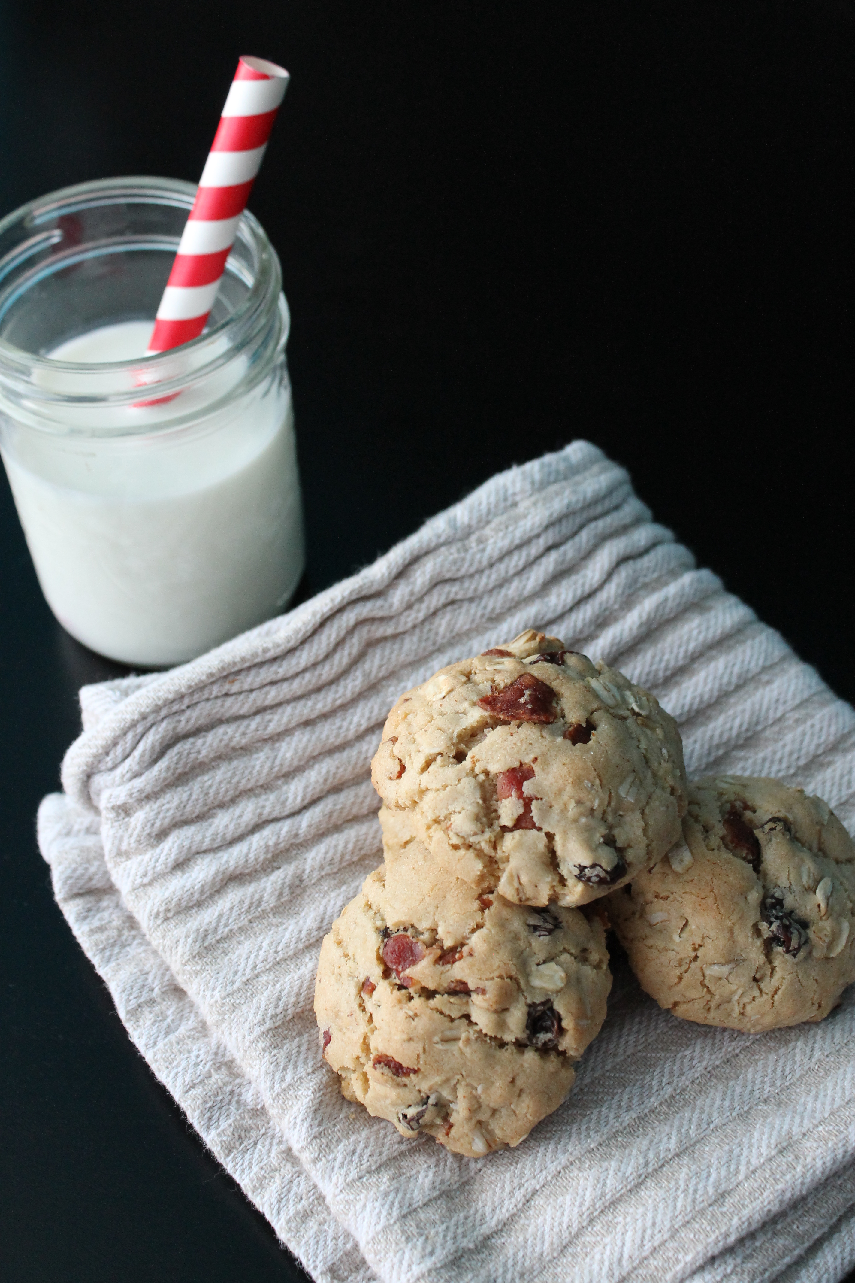 Oatmeal Raisin Bacon Cookies